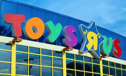 Toy 'R' Us Informs Employees It's Closing or Selling All U.S. Stores