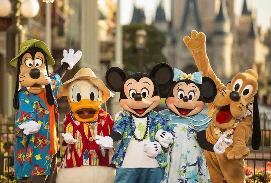 Walt Disney World Searching for 3,500 New Cast Members, Offering Signing Bonuses up to $3000