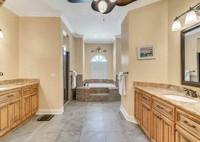 6358-Oak-Shore-Dr--St-Cloud--FL-34771----25---Master-Bathroom