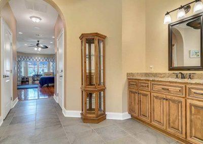 6358-Oak-Shore-Dr--St-Cloud--FL-34771----27---Master-Bathroom