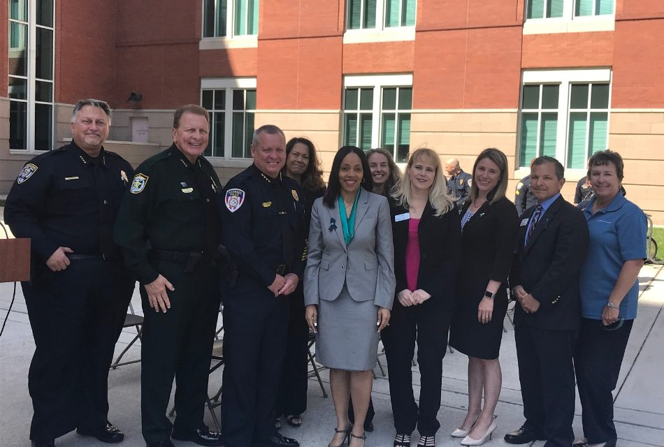 """""""National Start by Believing Day"""" Comes to Osceola Courthouse Steps"""