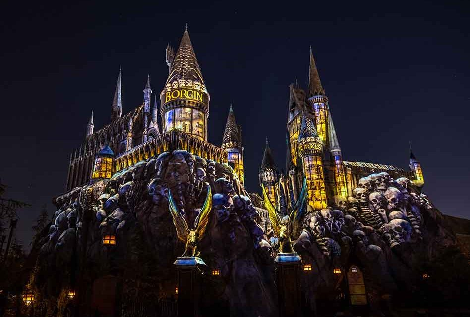 Universal Orlando Resort Opens New Projection Experience, Dark Arts at Hogwarts Castle