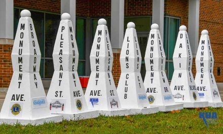 "Kissimmee unveils ""new old"" Monument of States street markers"