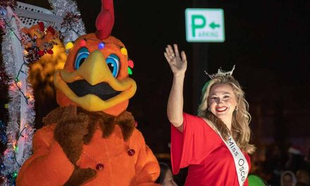 Thousands gather in downtown for Kissimmee's Festival of Lights Parade