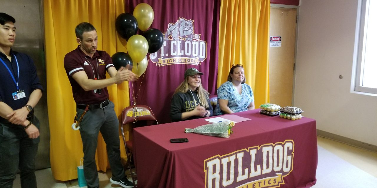 St. Cloud state champ weightlifter Hannah Wagner to be a UCF rower