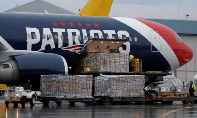 New England Patriots team plane brings a million N95 masks from China