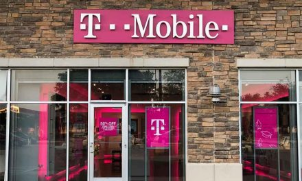 T-Mobile experiencing voice and data outages for customers around the US, including some 911 services