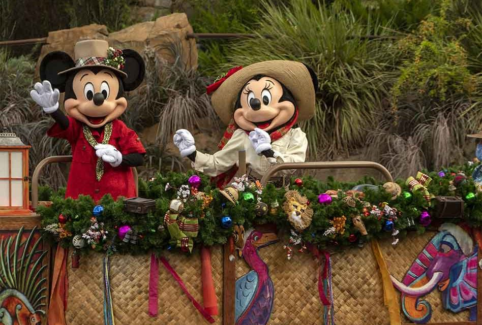 """Happy 92nd Birthday to Mickey and Minnie Mouse, """"world's' most famous couple!"""