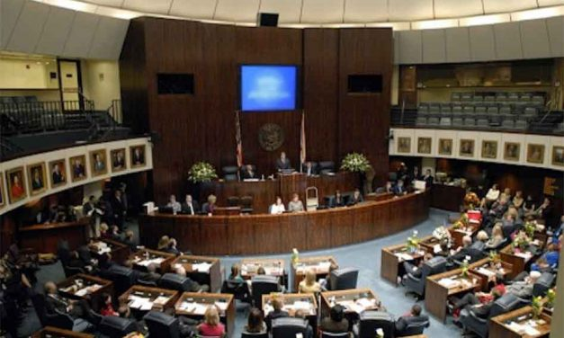 Florida lawmakers pass bill which will require a moment of silence in schools