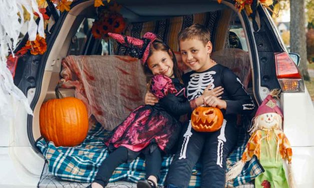 """Kissimmee/Osceola County Chamber to host FREE family """"Trunk or Treat"""" event tonight at 6pm"""