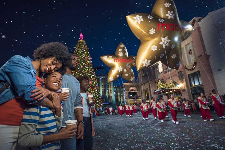 Universal Orlando Announces Return of Holiday Parade Featuring Macy's, Grinchmas