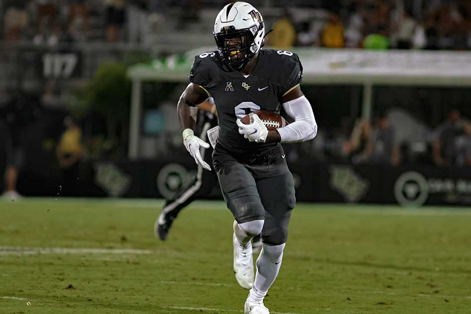 Late Touchdown Propels UCF Knights To 20-16 Win Over East Carolina Pirates